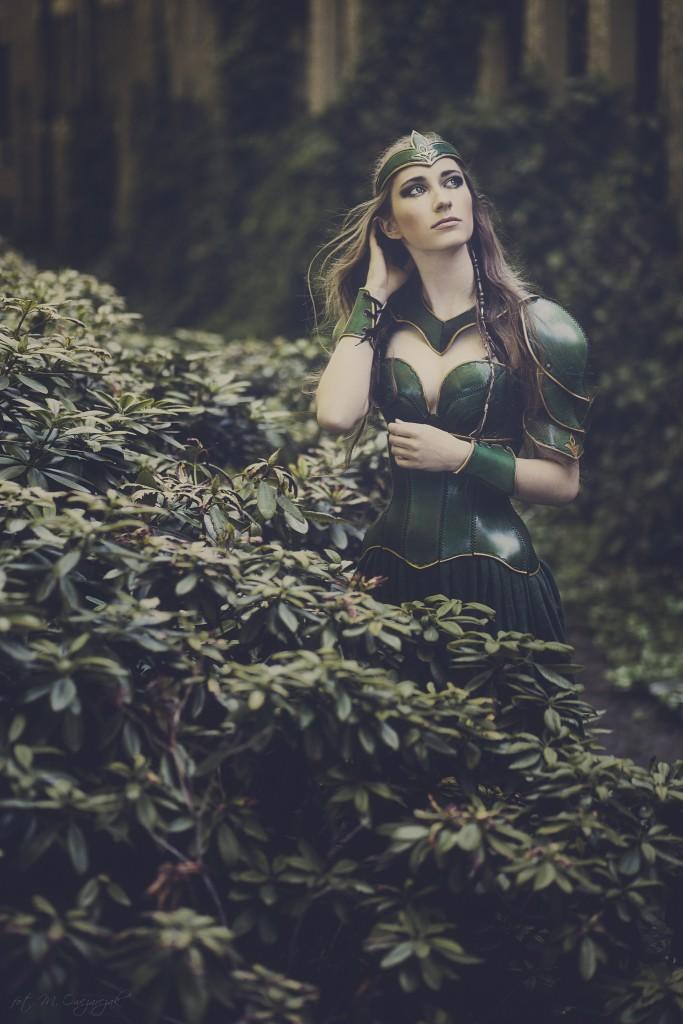 elficki makijaż fantazyjny ze złotem